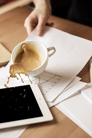 irodai rendetlenség kávé